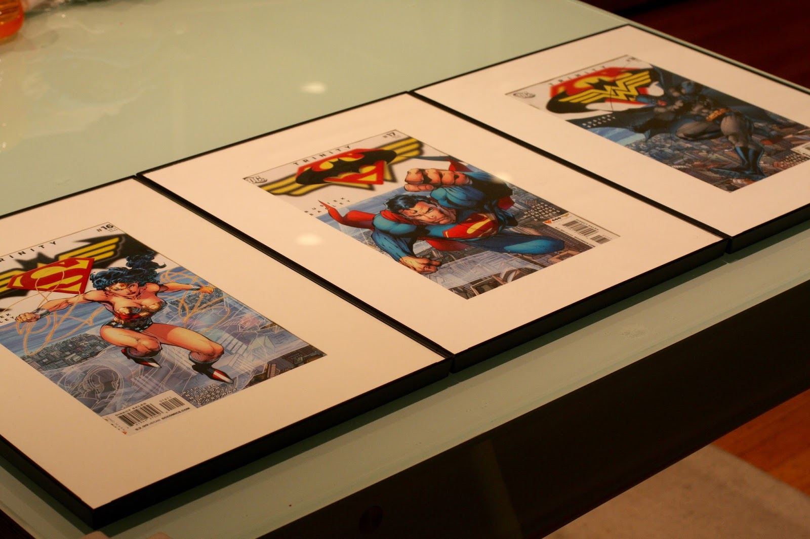 GEEK DIY BAM!: COMIC BOOK PHOTO FRAME DISPLAY WALL ART DIY
