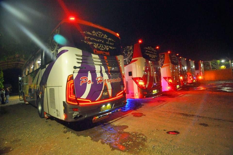 Kumpulan foto Jetbus HD PO Haryanto Waktu Malam