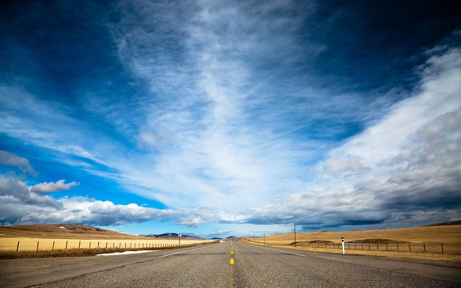 "<img src=""http://2.bp.blogspot.com/-50HIkU0XbH8/Ut_qve-uEzI/AAAAAAAAJvM/Jr6d03lltDc/s1600/road-and-sky.jpg"" alt=""road and sky"" />"