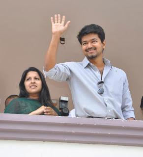 Vijay with his wife sangeetha
