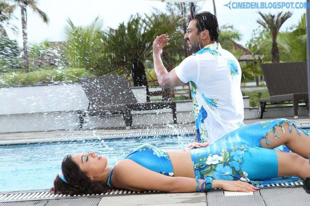 Nadigayin Diary Tamil Movie Hot Stills