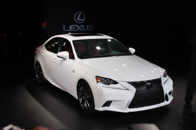 Lexus is 350c f sport