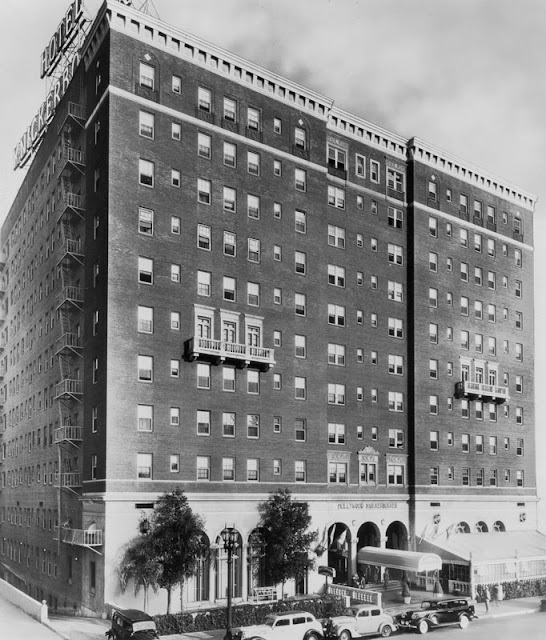 Phantom los angeles the knickerbocker hotel hollywood ca for Hollywood beach resort haunted