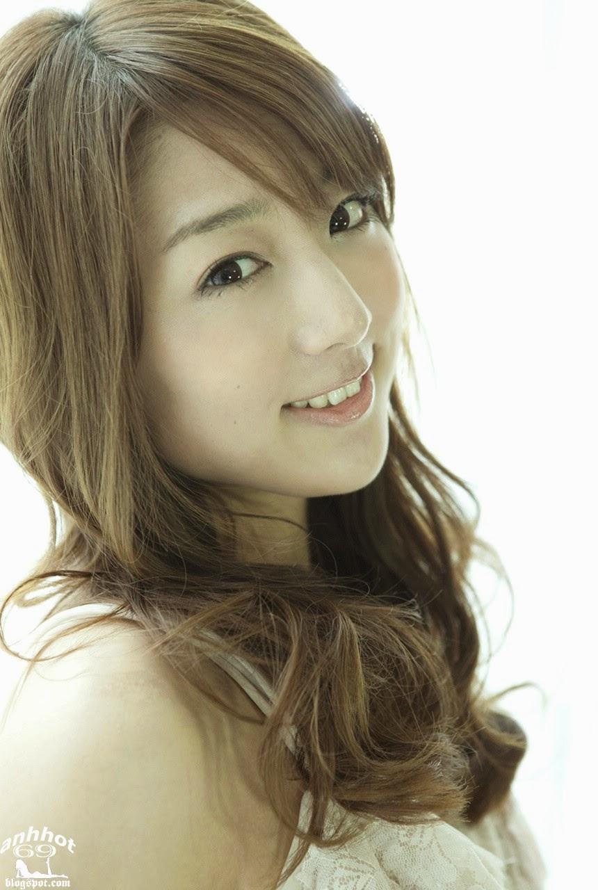moyoko-sasaki-01425840