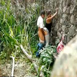 Pagou pra comer a novinha atrás do muro - http://videosamadoresdenovinhas.com