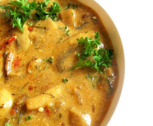 hungarian mushroom soup detail