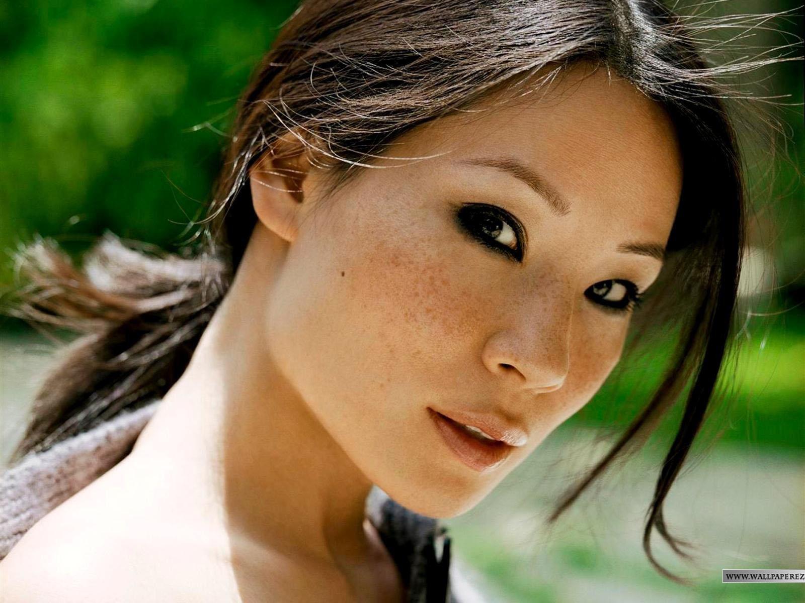 http://2.bp.blogspot.com/-50jgmDP6AIw/TyqAS0dHeEI/AAAAAAAACmE/4ePw1y_bnRo/s1600/Lucy-Liu-Photos-4d62f127cb24a.jpg
