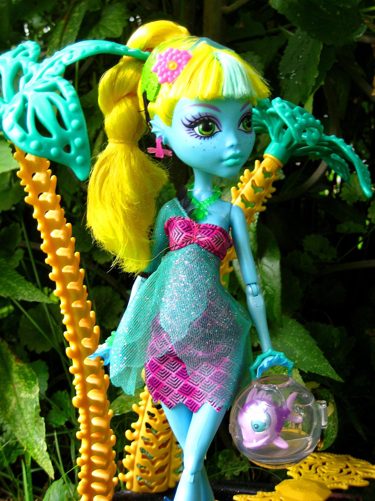 Voicething: Review: 13 Wishes Lagoona Blue