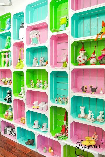 Bricolage e decora o reciclagem estante feita com for Estantes de carton