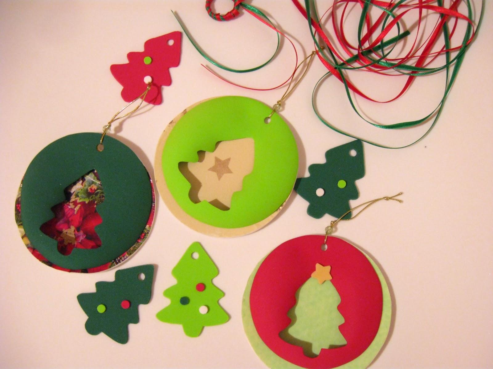 Accesorios infantiles con dise o guirnalda y adornos - Trabajos en goma eva navidad ...