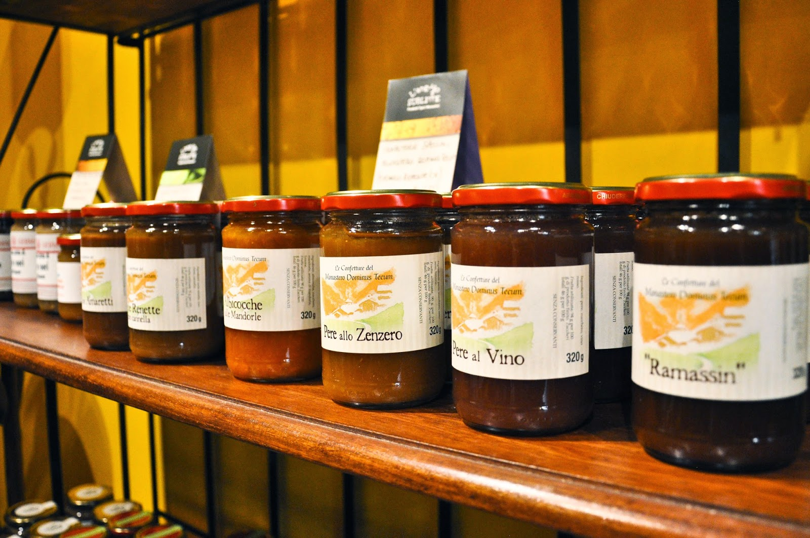 Chutneys and jams sold by the L'Angolo Sublime - a charming shop in Vicenza selling artisan products made in Italian monasteries