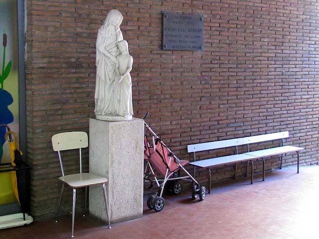Anna Maria Rosa kindergarten bench, Livorno