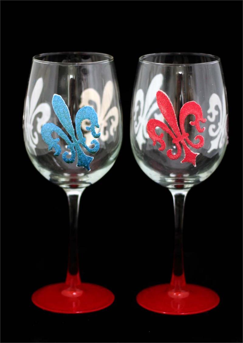 Amazing Photos Of World Beautiful Hand Panting On Wine Glass