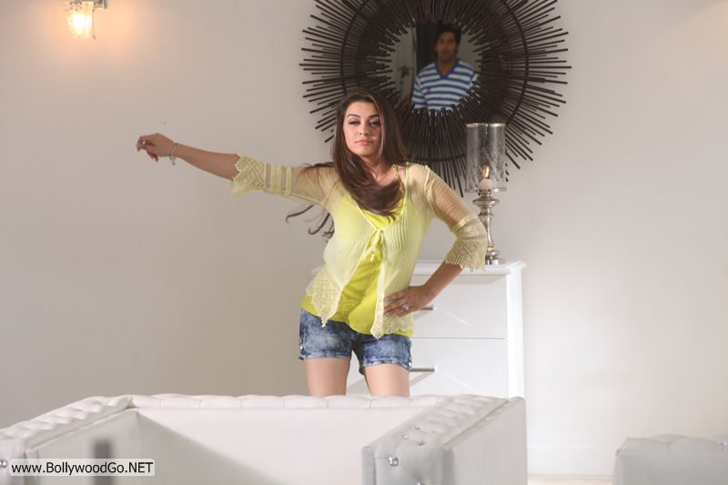 hansika-in-settai-movie-stills-9
