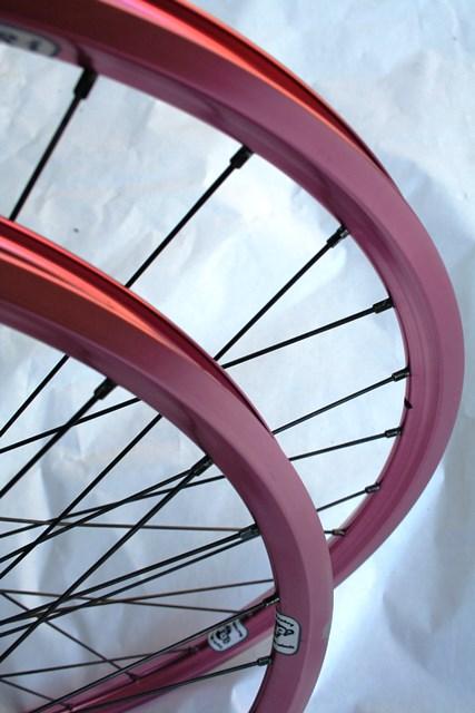 Cycle Monkey Garage Sale Pink 26 Quot Velocity Aeroheat Rims