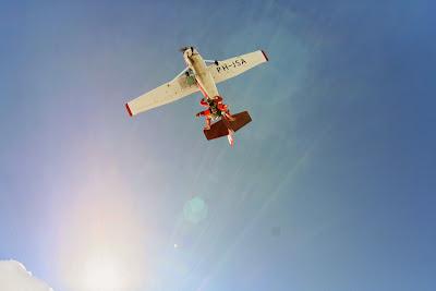 St. Peter-Ording: Fotos eines Tandem-Fallschirmabsprunges über dem ordinger Strand  15