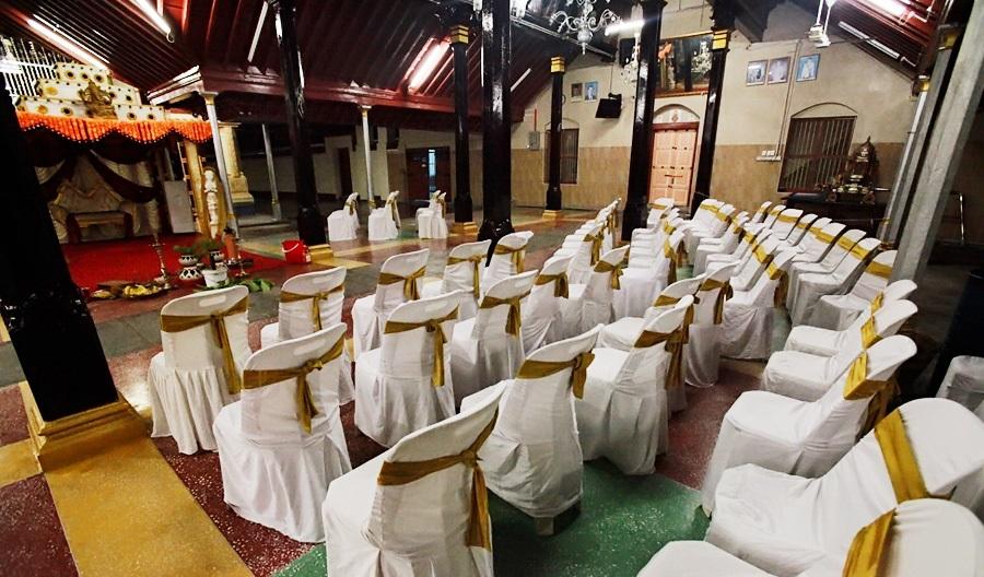 The nattukottai chettiar temple penang a beautiful hindu wedding seating arrangement for wedding guests junglespirit Choice Image