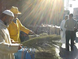 Marchands de rue pendant aid el kebir Marrakech
