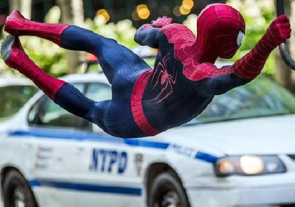 "Andrew Garfield es Spiderman en ""The Amazing Spider-Man: EL poder de Electro"""