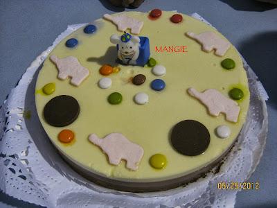 Presentación tarta tres chocolates