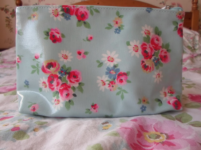floral blue cath kidston make up bag stars