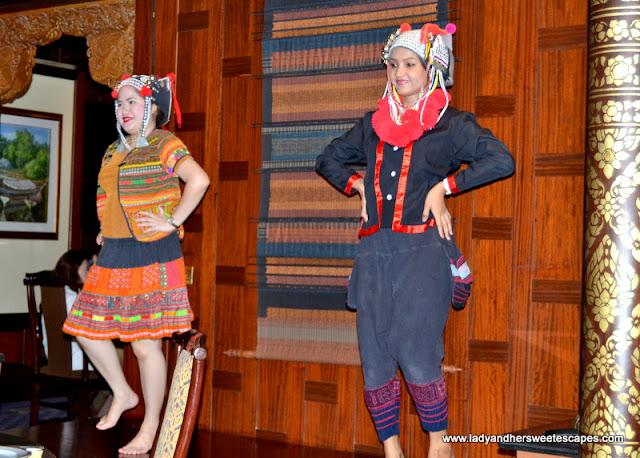 Thai dance at Benjarong