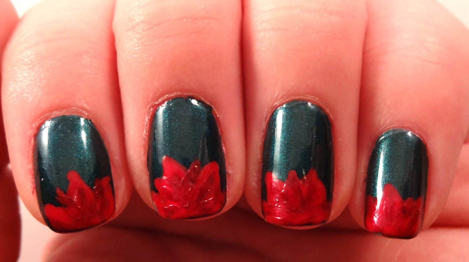 Poinsettia Nail Shadowing