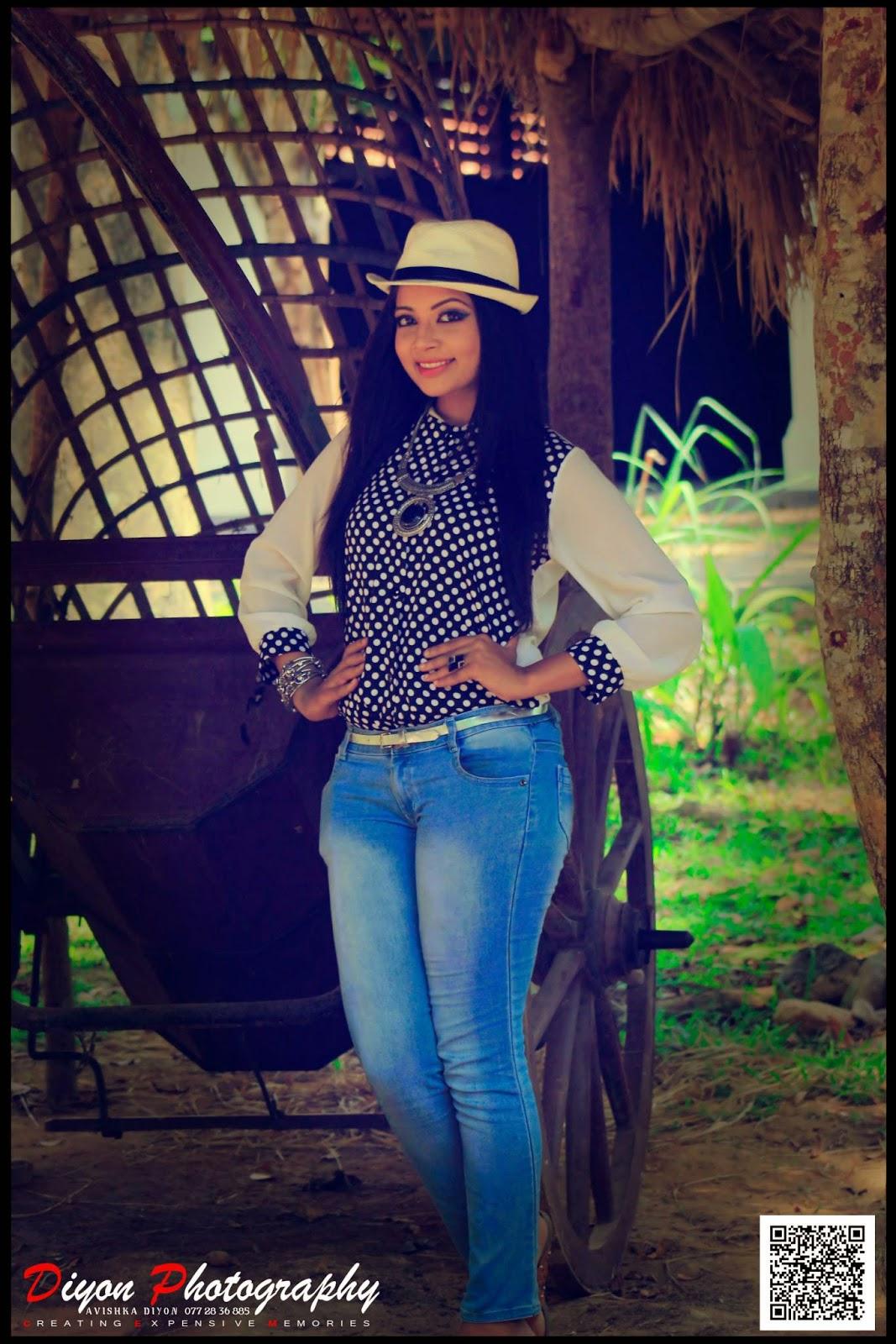 Udari Kaushalya blue jeans
