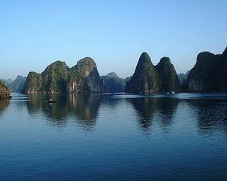Halong bay tours famous tourist