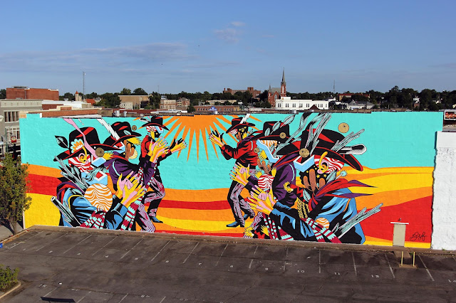 "While we brought you some exclusive progress images a few days ago, Bicicleta Sem Freio have now wrapped up their latest mural ""Catira"" on the streets of Fort Smith, Arkansas."