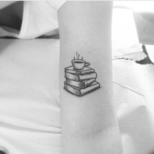 tatuagem de livro