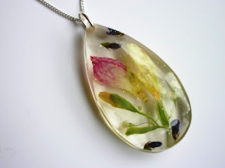 Real flower necklace - Necklace made with preserved wedding flowers