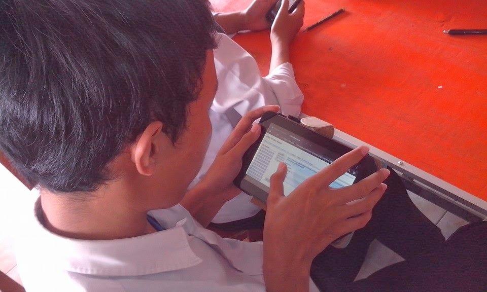 UJIAN ONLINE sebagai inovasi pembelajaran total yang merupakan terobosan baru evaluasi pembelajaran di SMK CHARNOEST..