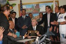 HM promete facilidades a dominicanos de ultramar