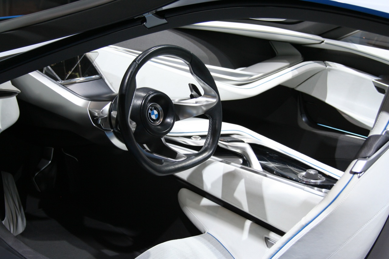BMW i8 PROTOTYPE INTERIOR DESIGN