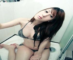 Foto Cewek Hot Bikini 2013