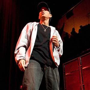 Eminem - The Apple Lyrics | Letras | Lirik | Tekst | Text | Testo | Paroles - Source: mp3junkyard.blogspot.com