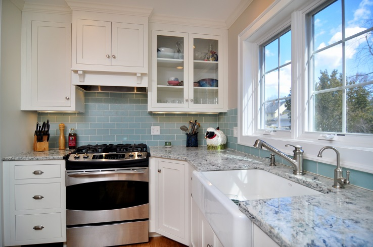 10 tips to make a small kitchen look bigger kruse home improvement
