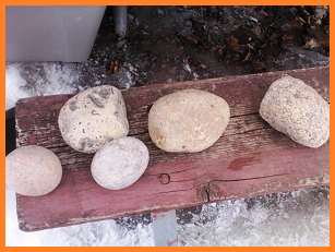 5 large round stones