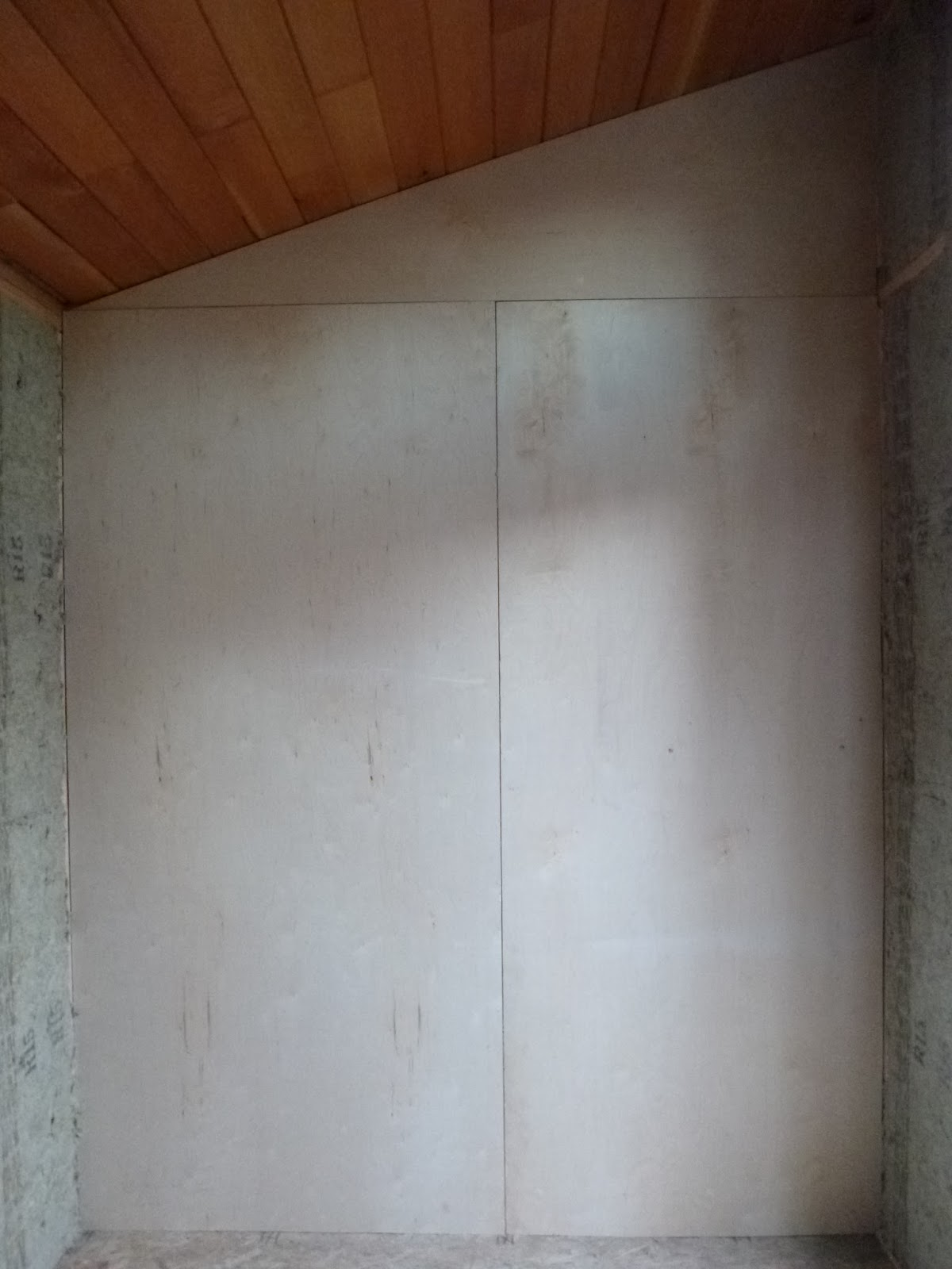 Interior wall finish laura 39 s blog for Plywood wall sheathing