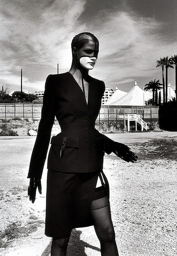 Fetish Fashion :  Thierry Mugler By Helmut Newton