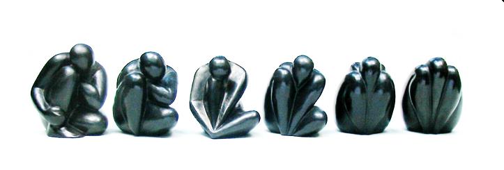 Série de six sculptures montrant l'évolution de l'œuvre