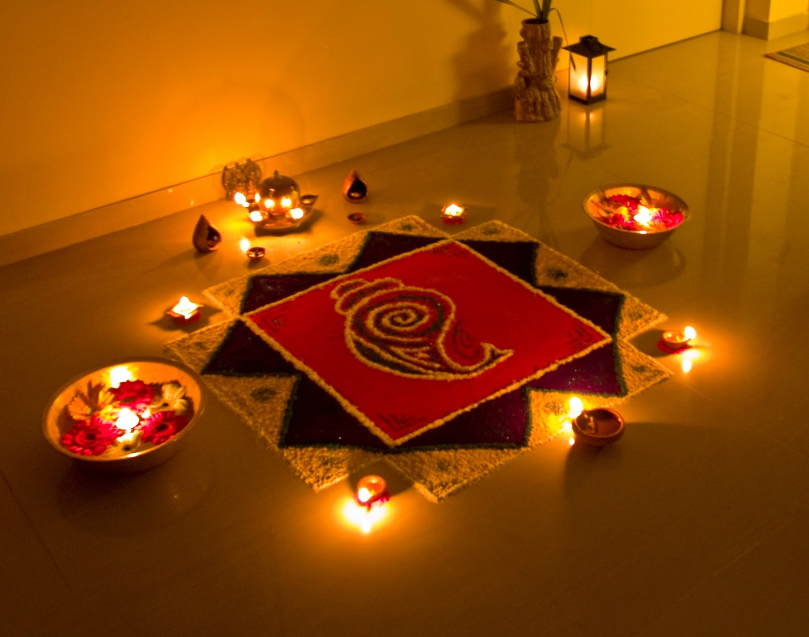 Rangoli for diwali festival hindu festivals for Home rangoli designs