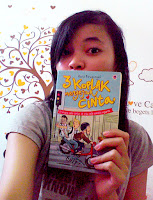Selfie with Novel 3 Koplak Mengejar Cinta by Haris Firmansyah.