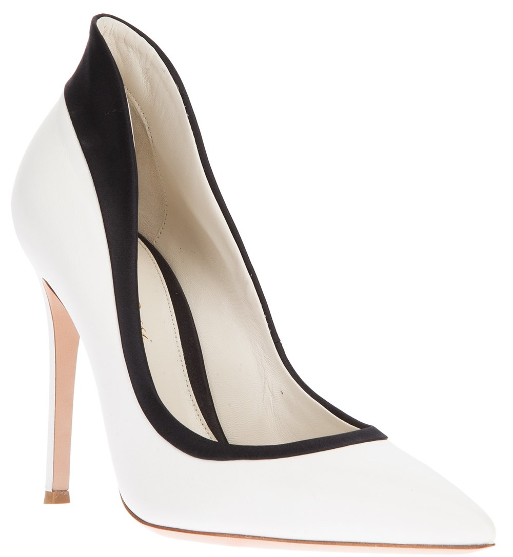 shoe the daily heel giavanito black and white