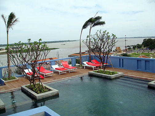 The Frangipani's roof-top swimming pool