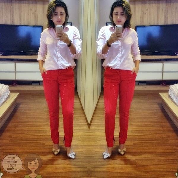 Calça vermelha e blusa rosa