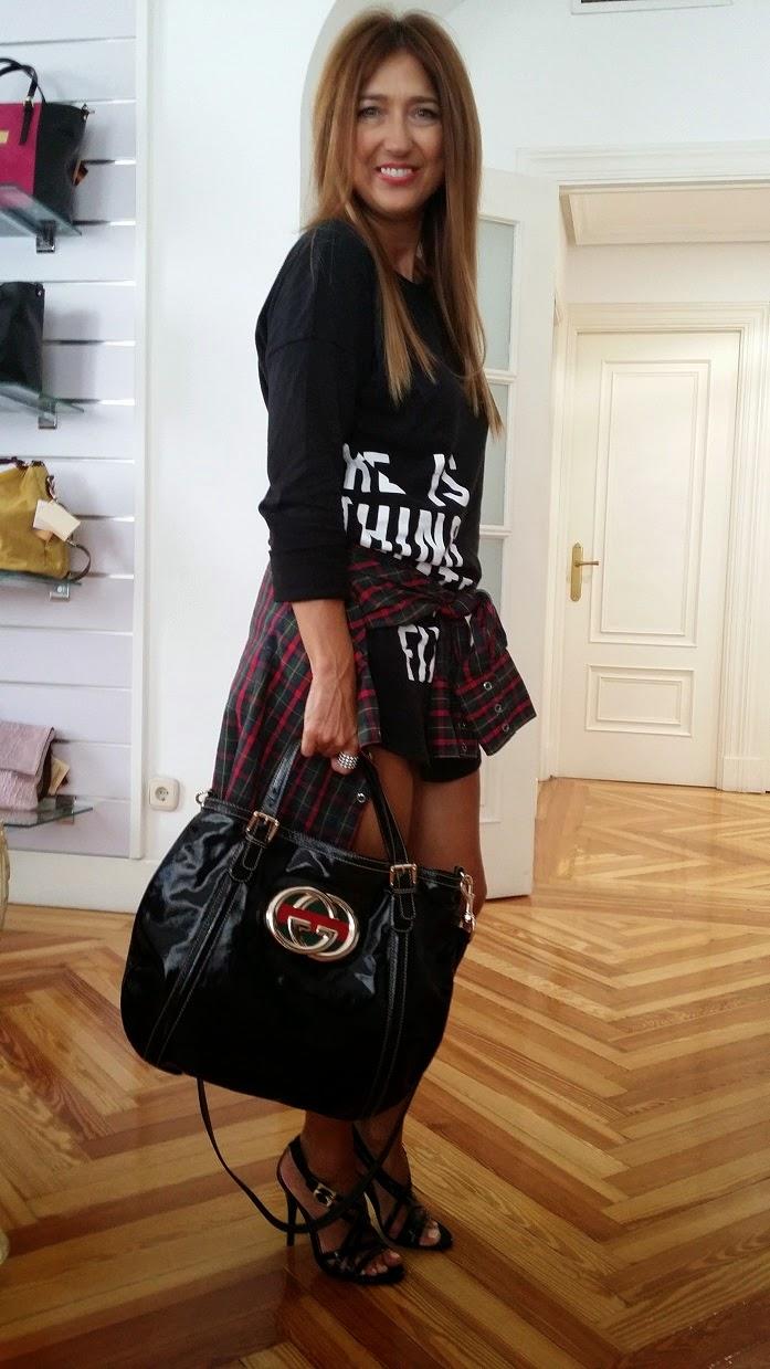 Shopping day, La Guinda de Serrano,  Style, Personal Shopper, Carmen Hummer, Top Love, Look, Cool, Guess, Dress, Sandals, Gucci, Showroom