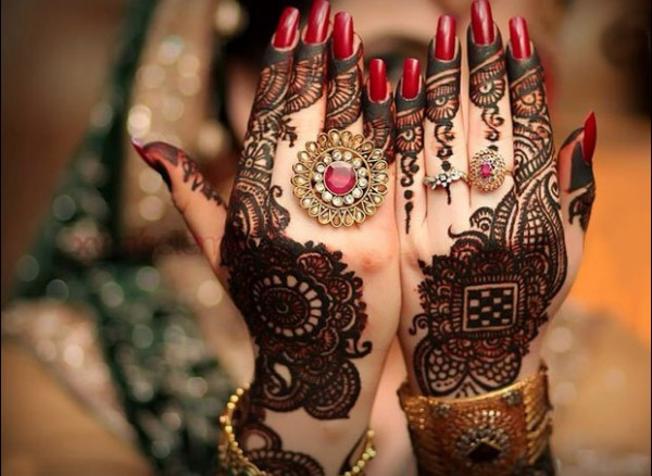Mehndi Designs Hands And Feet : Latest mehndi designs for hands and feet easyday