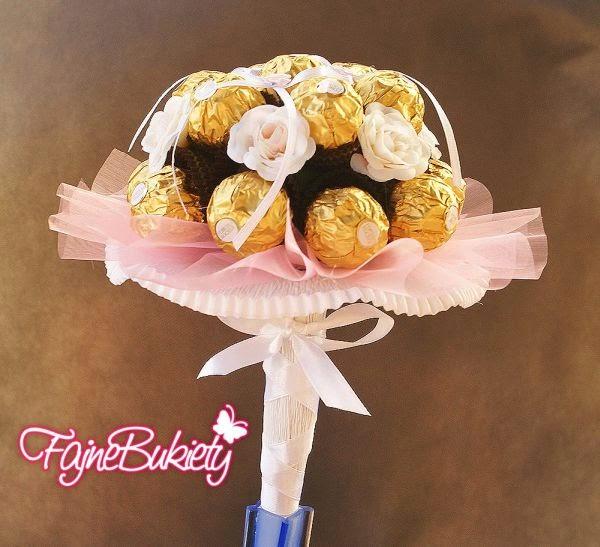 Bukiet z czekoladek Ferrero Rocher. Mała baletnica. Różowy.